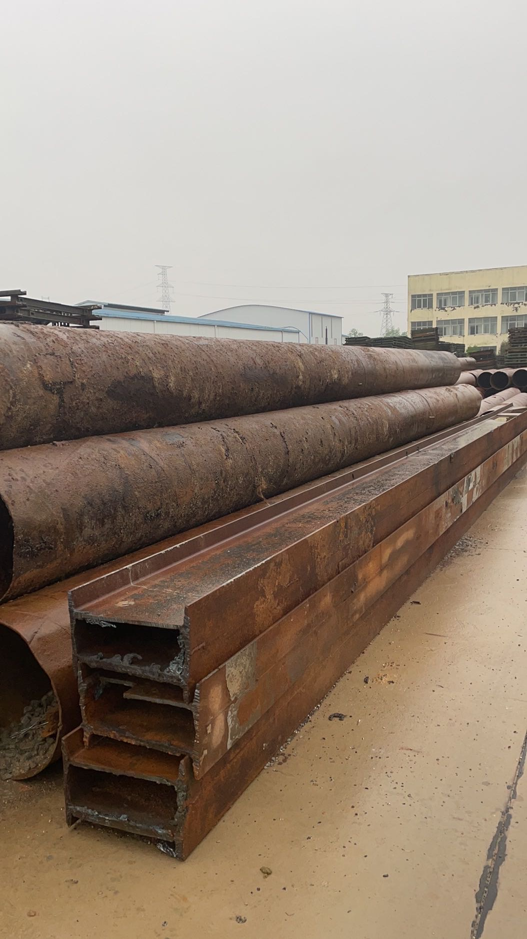 1、1.5、3米的贝雷片、20b.45b工字钢、630螺旋钢管等各种钢栈桥材料